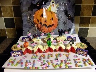 Family Macs Halloween bloooooodddd bunnnnsss