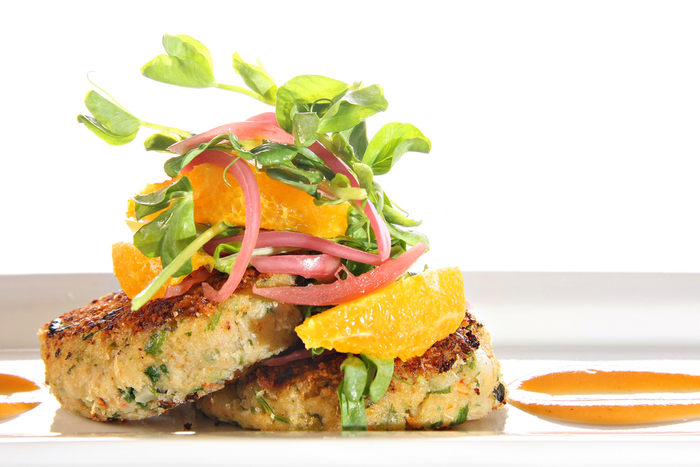 Crab cakes with grapefruit salsa