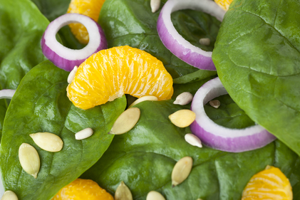 Orange spinach salad with almond vinaigrette