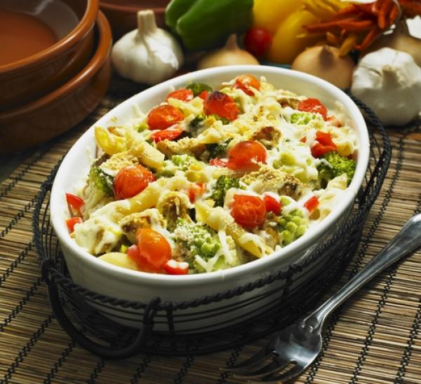 Pasta bake with mozzarella and cherry tomatoes
