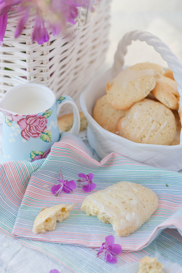 Easy lemon biscuits