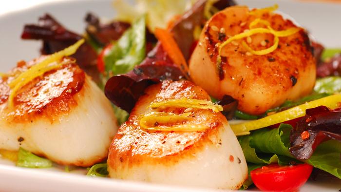 Scallop, pine-nut and lemon salad