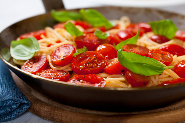 Pasta with fresh tomato, basil and ricotta cheese