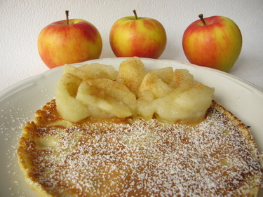 Apple and cinnamon hot cakes