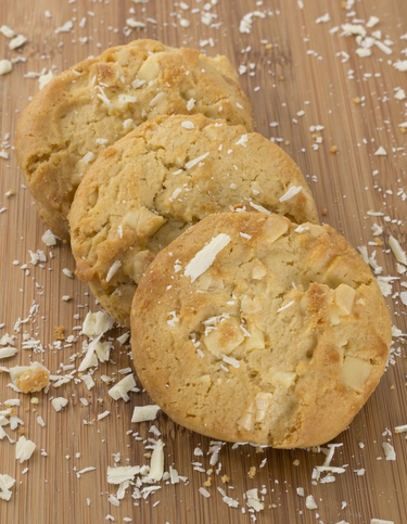White chocolate & macadamia cookies