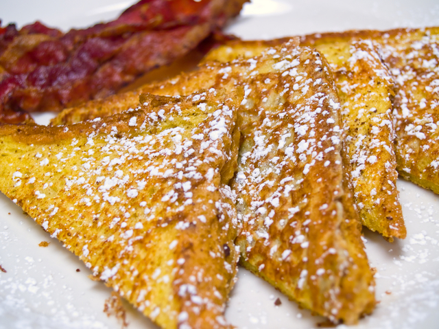 Gluten free french toast with crispy bacon