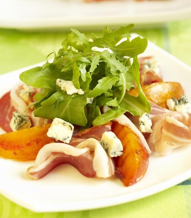 Peach, prosciutto and blue cheese salad