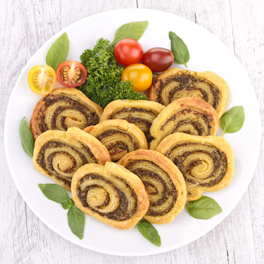 Pesto cheese pinwheels