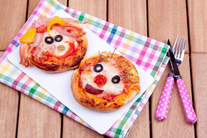Mini pitta pizzas
