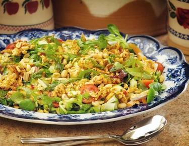 Cajun chicken salad with oriental dressing