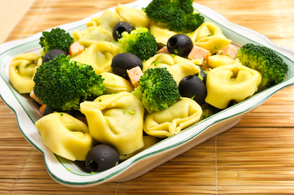 Tortellini and broccoli salad