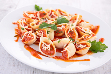 Pasta with a tomato and mint sauce