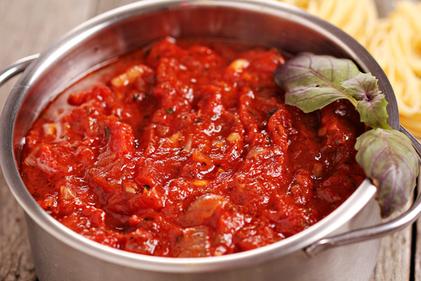 Aubergine and tomato sauce