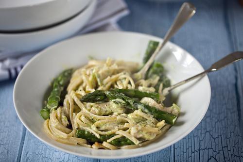 Asparagus cream pasta
