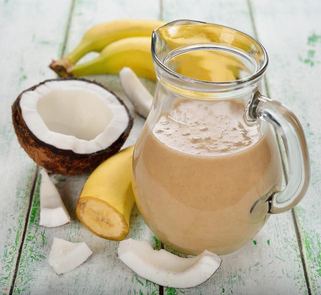 Mango and coconut smoothie
