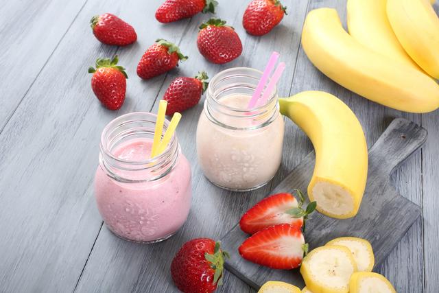 Strawberry and banana smoothie recipe