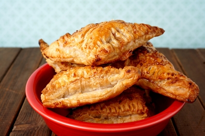 Golden tuna & vegetable pastry pockets