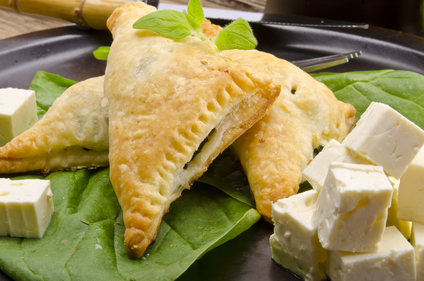 Mini spinach, feta and mushroom pastry
