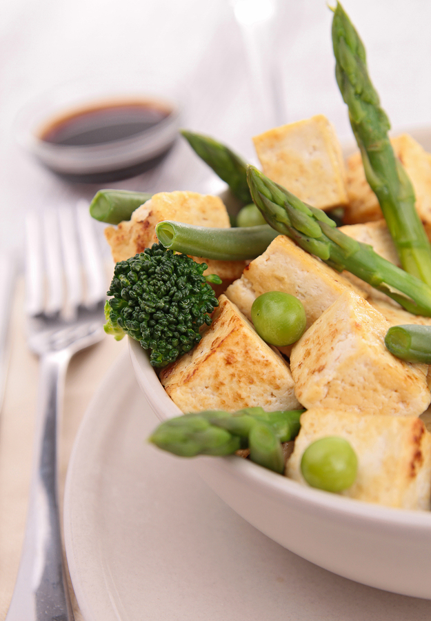 Tofu with chilli asparagus, broccoli and rice