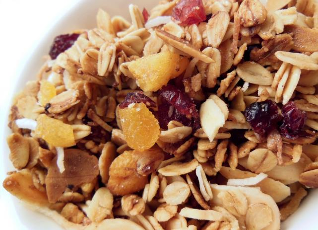 Crunchy granola with honey and dried fruit