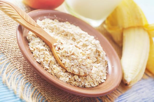 Cinnamon porridge with banana