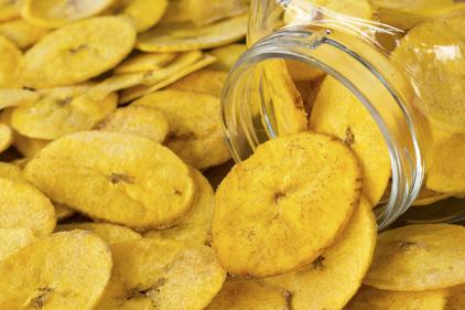 Baked banana crisps