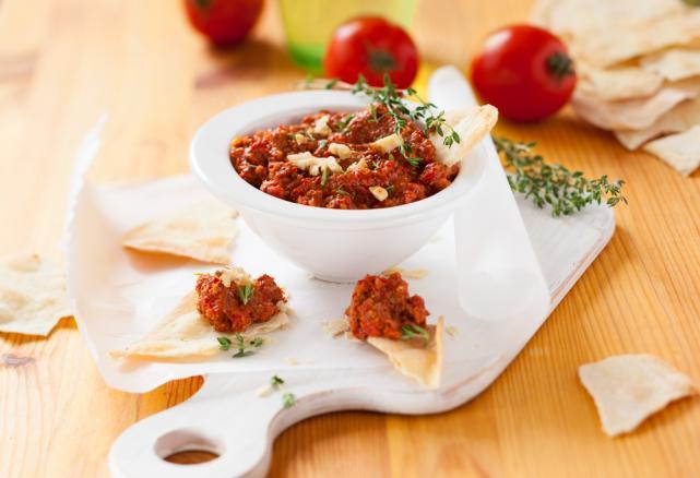 Tomato pepper dip
