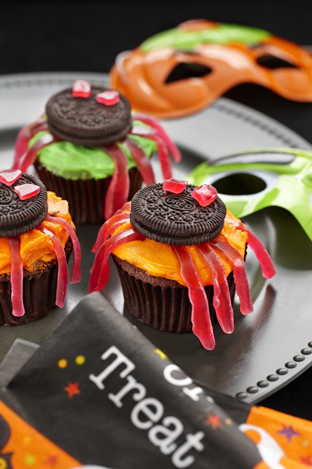 Halloween spider cakes