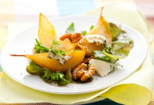Pear, walnut and blue cheese salad
