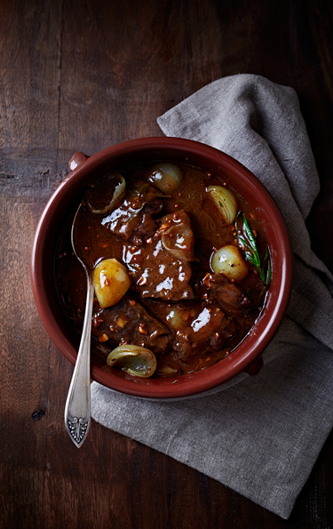 Beef and winter vegetables with red wine sauce