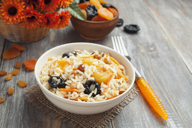 Fruit and vegetable rice salad