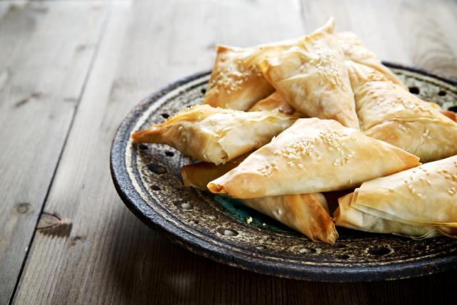 Sweet potato and ginger samosa parcels