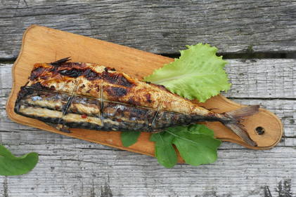 Grilled mackerel with chilli and salad