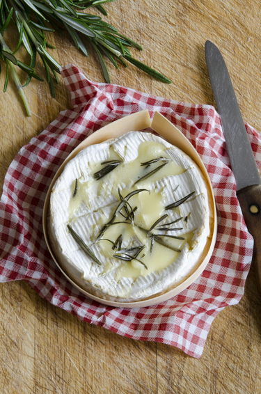 Seasonal spice infused baked camembert