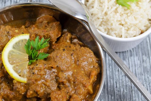Slow cook pork vindaloo