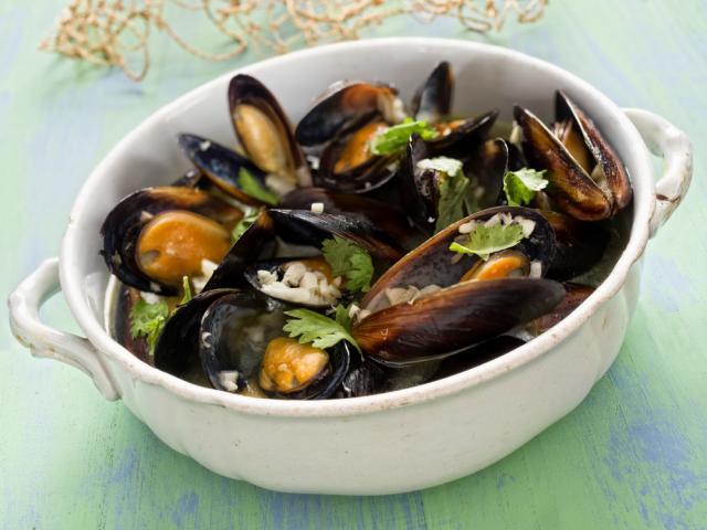 Spiced broth with mussels