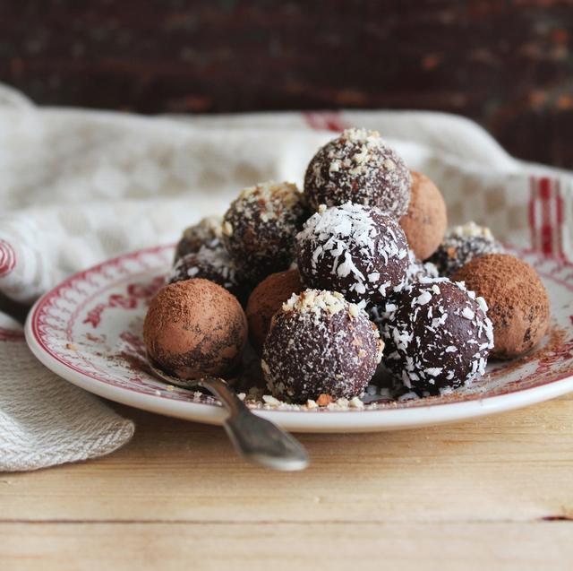 Bitter chocolate truffles