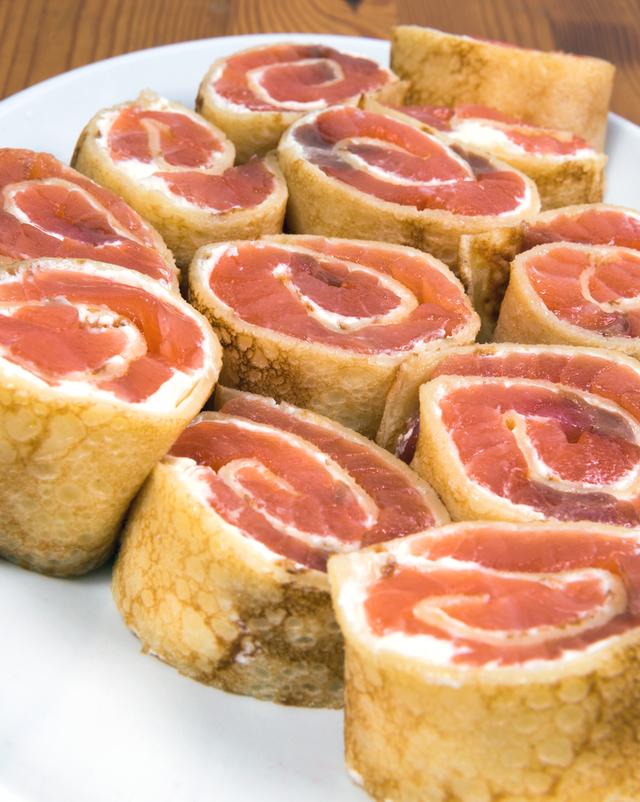 Smoked salmon pancake wraps