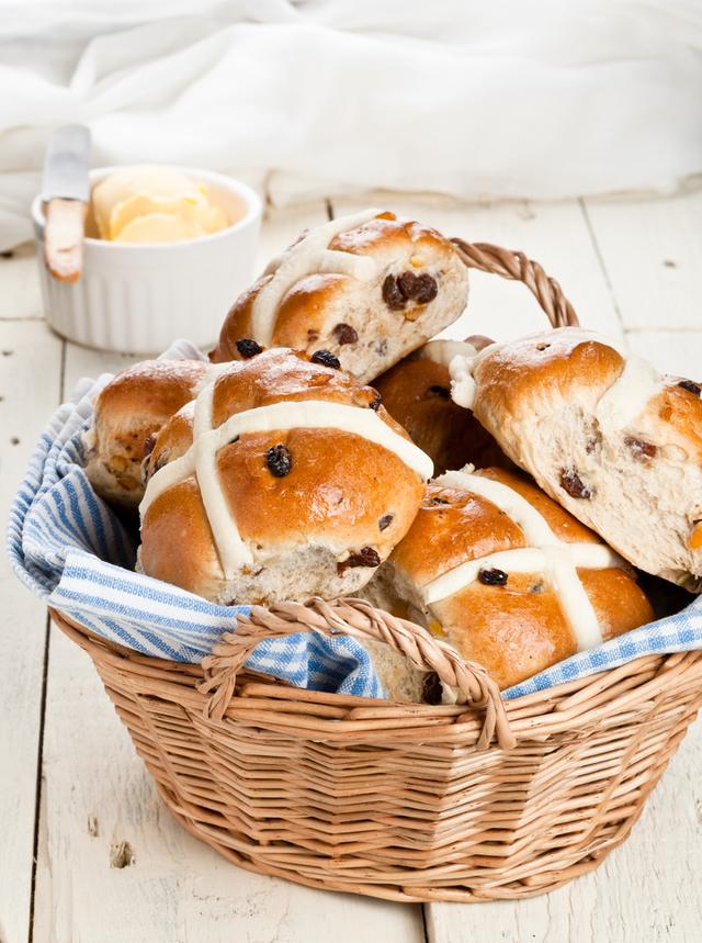 Hot cross Easter buns