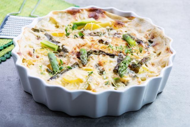 Brie and asparagus frittata