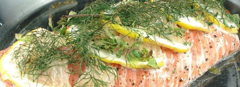 Baked salmon with lemon and herbs