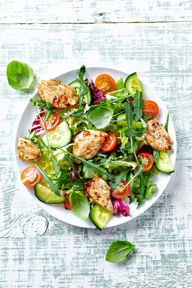 Garden salad with roast chicken
