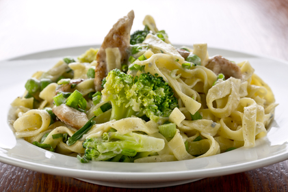 Fast chicken and broccoli pasta