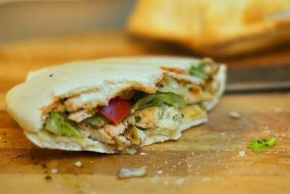 Pita pockets with chicken and salsa