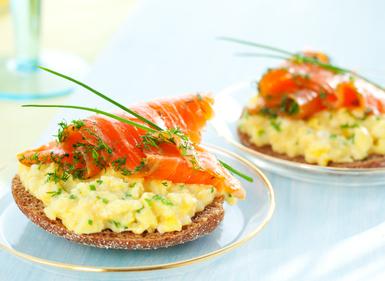 Scrambled eggs and smoked salmon on soda toast