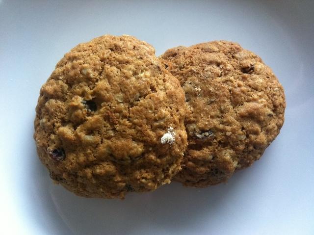 Oat and raisin cookies