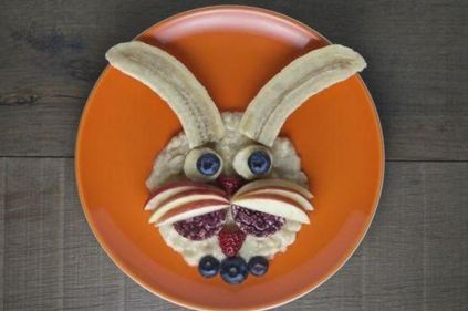 Friendly rabbit fun plate