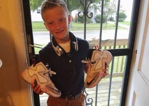 Young boy notices soles are falling off classmates shoes, so he does THIS