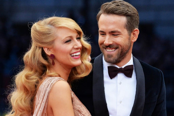 Its a girl! Blake Lively and Ryan Reynolds share adorable family photo