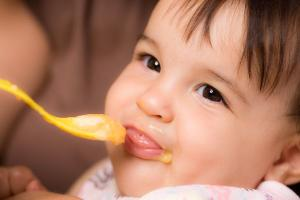 Fussy eater? How to solve 6 common toddler feeding problems
